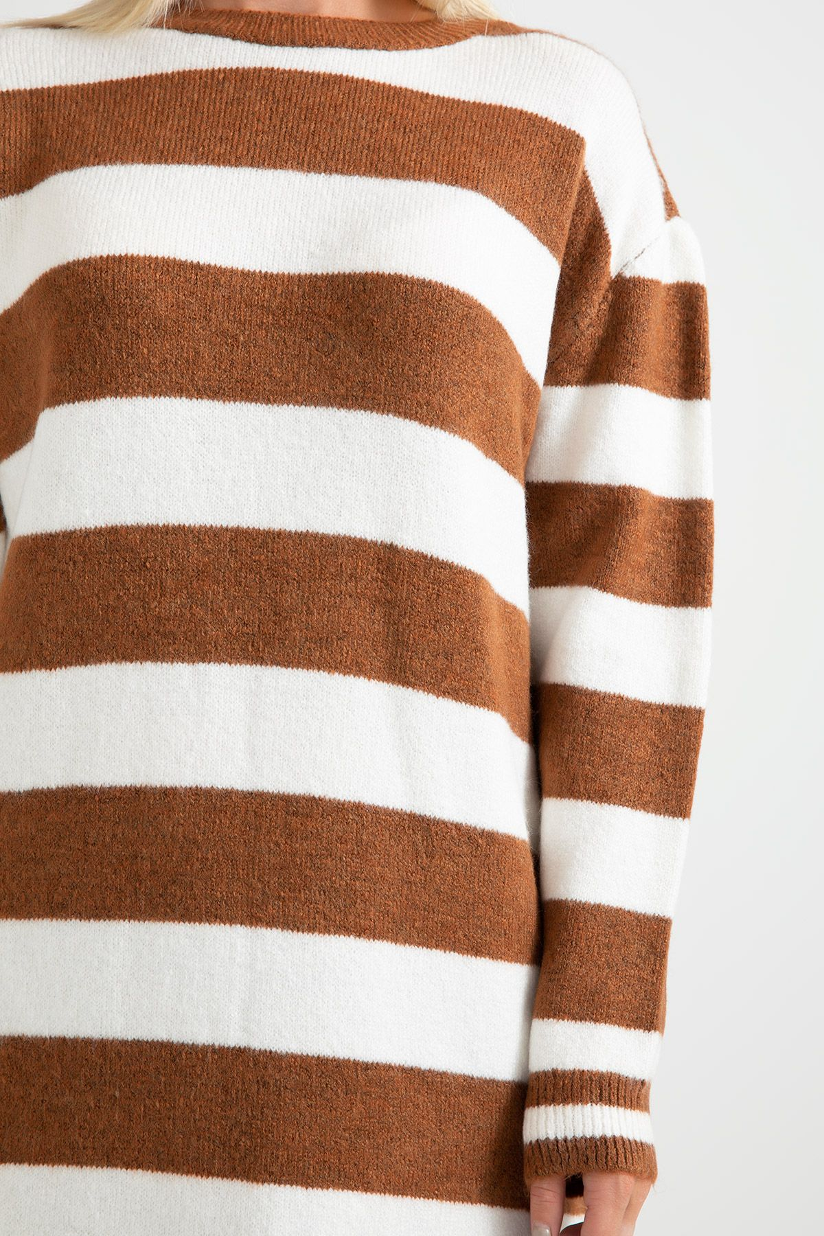 Knitwear - Tunic -Light Brown
